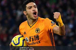 Wolverhampton Konfirmasi Raul Jimenez Mengalami Retak Tengkorak