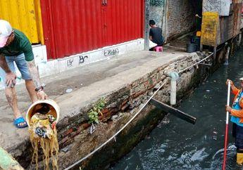 Buang Sampah ke Sungai Merupakan Warisan Zaman VOC, Benarkah?