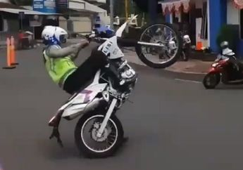 Luar Biasa! Aksi Freestyle Pak Polisi, Wawan Tembong Dibuat Melongo