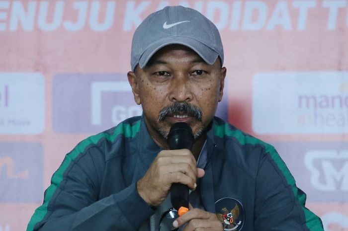 Pelatih Tim Nasional Indonesia U-19, Fakhri Husaini