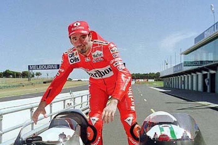 Max Biaggi, komentari kisruh kemenangan Ducati di MotoGP Qatar.