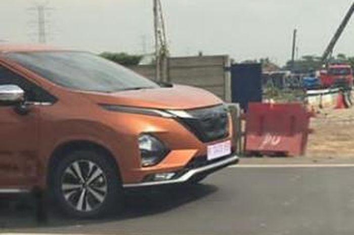 Sosok kembaran Mitsubishi Xpander diduga Nissan Grand Livina 2019