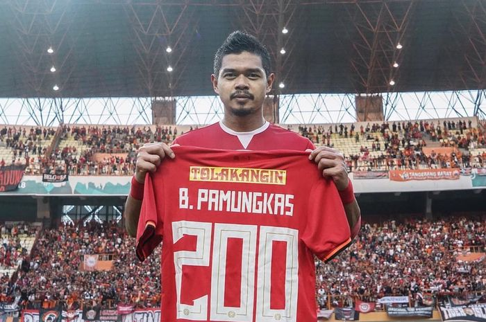 Bambang Pamungkas telah mencetak 200 gol untuk Persija Jakarta setelah membobol gawang Borneo FC, Sabtu (29/6/2019).