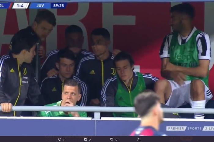 Cristiano Ronaldo berada di bangku cadangan Juventus.