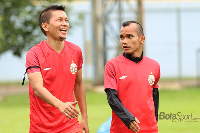 Ismed Sofyan dan Riko Simanjuntak sedang menjalani latihan bersama skuad Persija Jakarta di Lapangan Sutasoma, Halim, Jakarta Timur (11/3/2020)
