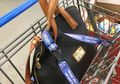 Saat Belanja Wanita Wajib Mengaitkan Dompet ke Keranjang, Ini Alasannya!