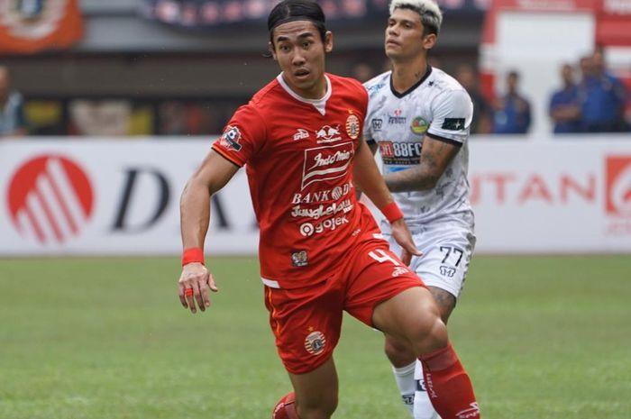 Pemain Persija Jakarta, Ryuji Utomo, saat melawan Tira Persikabo