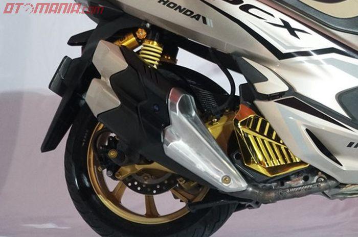 Knalpot Honda CBR250RR terlihat cocok dengan bodi PCX