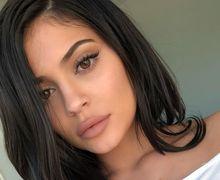 8 Lipstik Berwarna Nude dari Kylie Cosmetics yang Wajib Dicoba!
