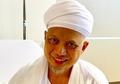 Berhasil Pulih dari Penyakit Kanker, Ustaz Arifin Ilham Menangis Saat Para Santri Mencium Tangannya