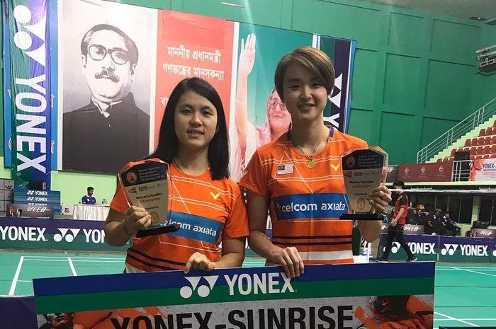 Ganda putri Malaysia, Yap Cheng Wen (kiri) dan Vivian Hoo (kanan), saat menjadi juara turnamen Bangladesh International Challenge 2018.