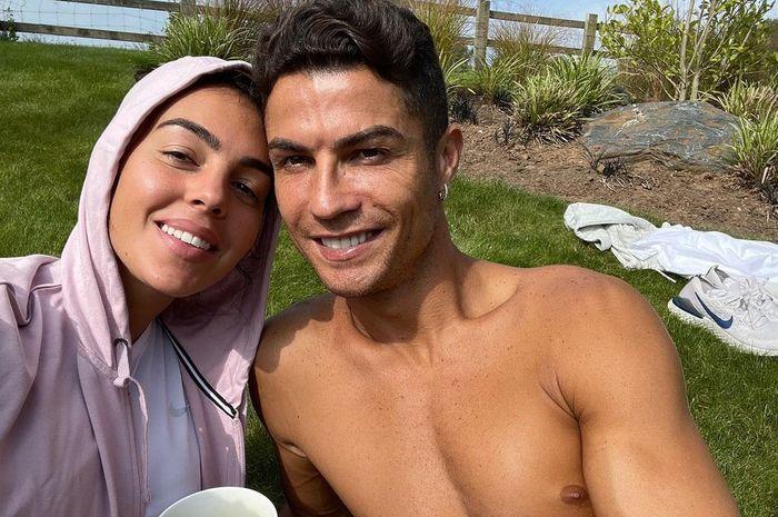 Tak Muluk-muluk, Makanan Favorit Cristiano Ronaldo Cuma Ikan Asin dan Telur thumbnail