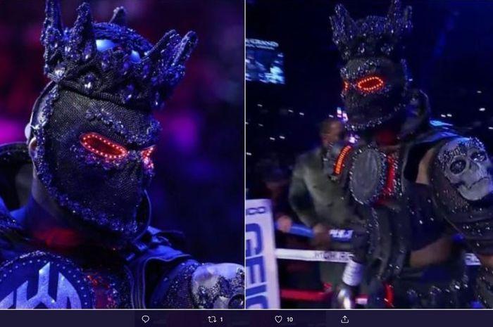 Deontay Wilder tampil mengejutkan mengenakan kostum Sauron 'The Lord of The Rings' ketika memasuki ring lawan Tyson Fury.