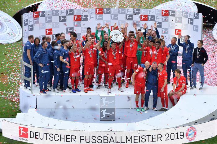 Bayern Muenchen sukses menjadi juara Liga Jerman 2018-2019 usai menghancurkan Eintracht Frankfurt di Allianz Arena, 18 Mei 2019.