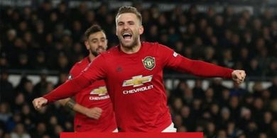 Manchester United Kalah di Laga Perdana, Luke Shaw: Beli Pemain Baru Lagi, Dong!