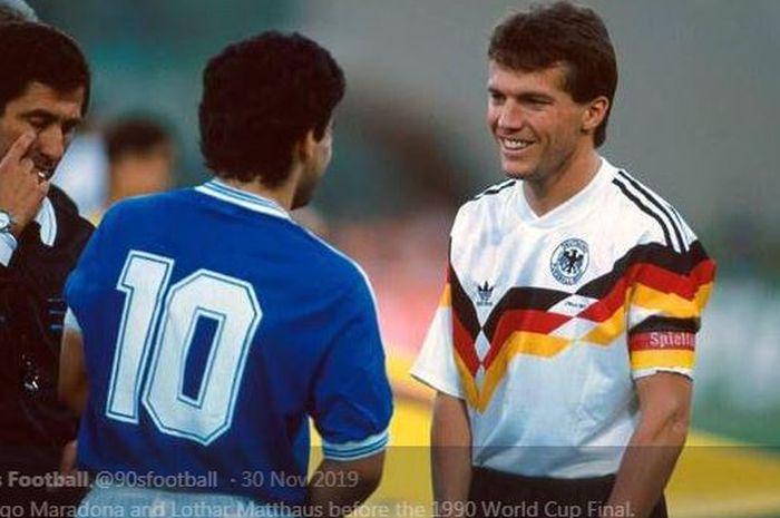 Lothar Matthaeus berbincang dengan Diego Maradona.