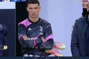Disorot Pirlo, Senyum Ronaldo saat Digantikan di Tengah Laga