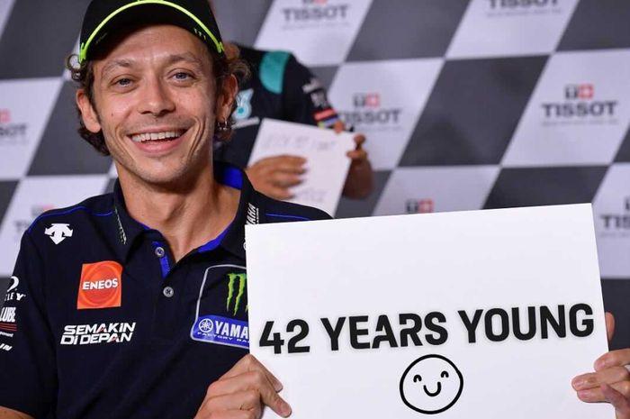 Terbongkar! hal ini yang membuat Valentino Rossi mampu terus balapan MotoGP meski usianya tak lagi muda