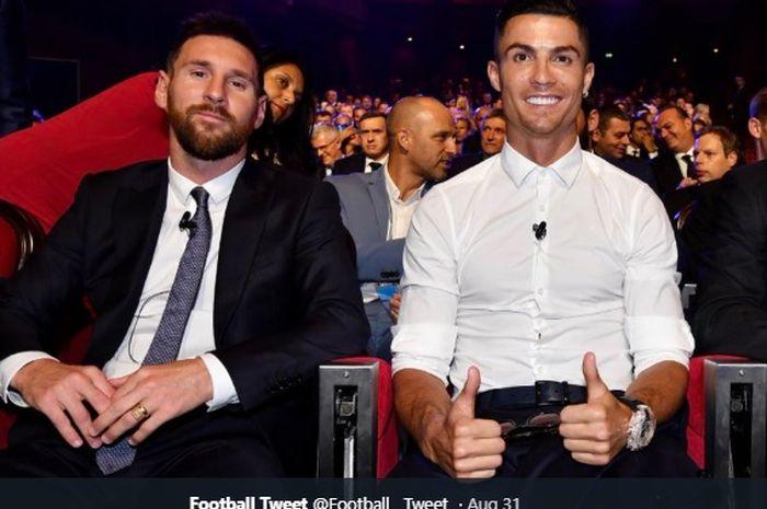 Lionel Messi, Cristiano Ronaldo, dan Virgil van Dijk, tampak saling duduk bersebelahan satu sama lain pada momen penganugrahan Pemain Terbaik Eropa 2019, Kamis (29/8/2019).