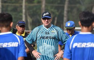 Akankah Rindu Pelatih Persib Bandung Robert Alberts Terbalaskan?