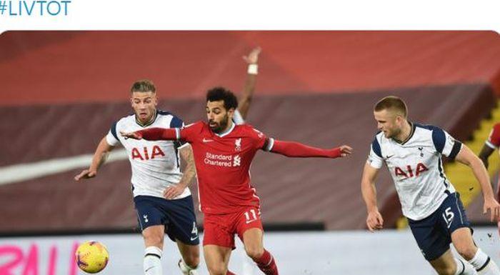 Striker Liverpool, Mohamed Salah, beraksi dalam laga Liga Inggris kontra Tottenham Hotspur di Stadion Anfield, Rabu (16/12/2020).