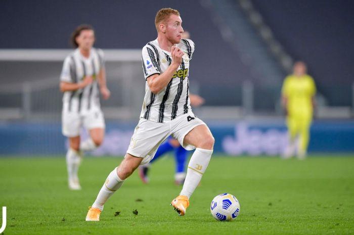 Winger Juventus, Dejan Kulusevski, mengaku telah belajar banyak dari pelatih I Bianconeri, Massimiliano Allegri.