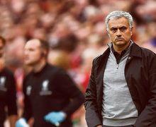 Kalah dari Liverpool, Jose Mourinho Mengaku Lelah dengan Agresivitas Andy Robertson
