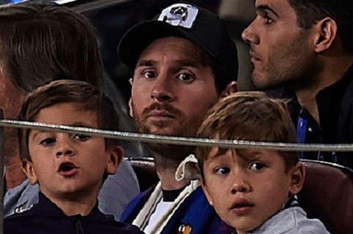 Lionel Messi kerap dikritik oleh anak-anaknya jika gagal mencetak gol atau membantu Barcelona meraih kemenangan.