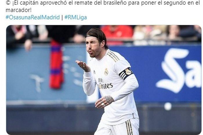 Kapten Real Madrid, Sergio Ramos, melakukan selebrasi seusai menjebol gawang Osasuna dalam partai Liga Spanyol, Minggu (9/2/2020).