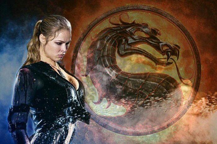Ronda Rousey berpose dalam material promo untuk game Mortal Kombat 11 di mana ia memainkan peran sebagai Sonya Blade.