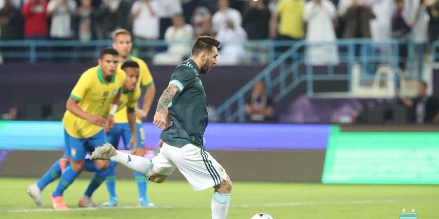 VIDEO - Penalti Lionel Messi Sangat Pelan, Ditepis Alisson, tetapi Tetap Gol
