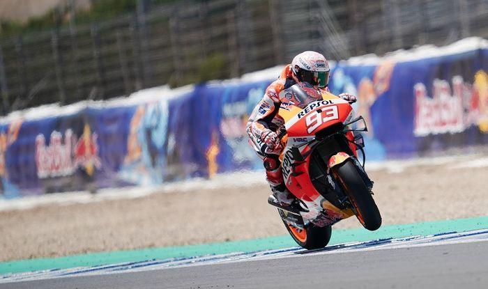 Pembalap Repsol Honda, Marc Marquez, hampir melakukan comeback impresif andai tidak mengalami kecelakaan pada balapan MotoGP Spanyol di Sirkuit Jerez, Spanyol, 19 Juli 2020.