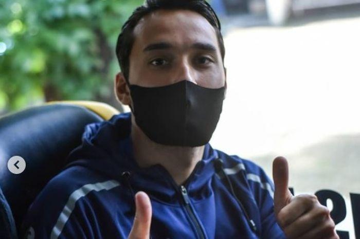 Ezra Walian dan skuad Persib Bandung yang siap berangkat ke Sleman, Yogyakarta, Senin (22/3/2021).