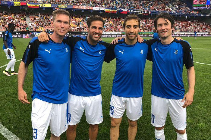 Mantan pemain Arsenal  (dari kiri ke kanan) Alexander Hleb, Cecs Fabregas,  Mathieu Flamini, Tomas Rosicky.