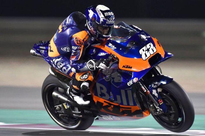 Pembalap tim KTM, Miguel Oliveira saat melakoni seri perdana MotoGP Qatar (10/3/2019)
