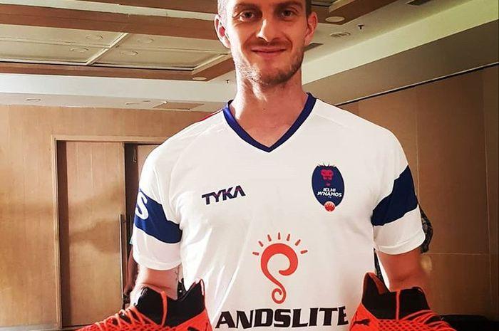 Pemain asal Slovenia, Rene Mihelic, dikabarkan bakal menjadi pengganti Srdjan Lopicic di Persib Bandung.