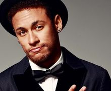 Putus dari Bruna Marquezine, Neymar Dikabarkan Sudah Berpacaran dengan Model Seksi Ini
