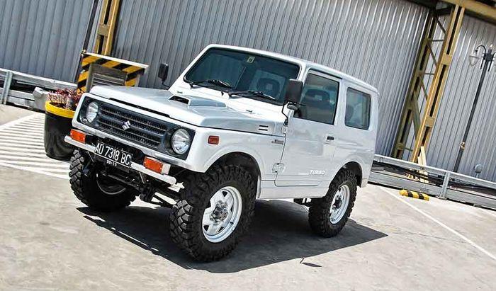 SJ410 muncul pertama kali di Indonesia pada 1982