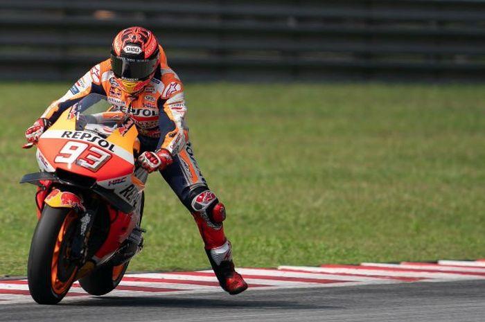 Pebalap Repsol Honda, Marc Marquez, ketika menjalani uji coba di Sirkuit Sepang, Malaysia, Jumat (8/2/2019).
