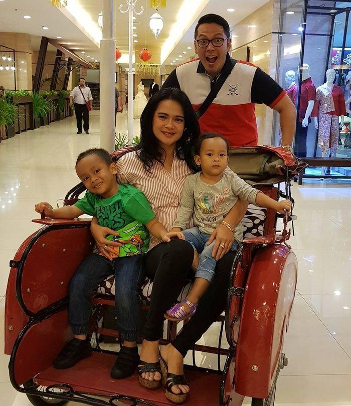 Keluarga Shezy Idris