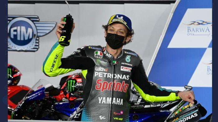 Pembalap Petronas Yamaha SRT, <a href='https://manado.tribunnews.com/tag/valentino-rossi' title='ValentinoRossi'>ValentinoRossi</a>, setelah selesai kualifikasi MotoGP Qatar 2021 di Sirkuit Losail, Sabtu (28/3/2021).