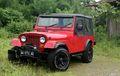 Gaya Jeep CJ-7 Milik Ibu Muda Zaman Now