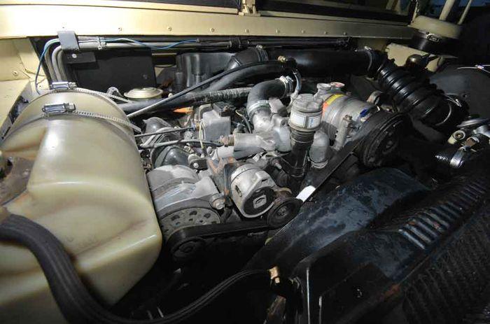 Mesin V-8 turbo diesel 6.5 liter