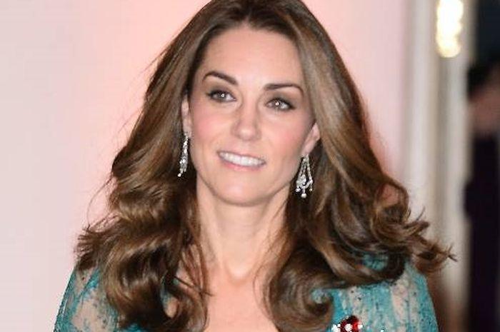 Kenakan Dress yang Sama 6 Tahun Lalu, Kate Middleton Tetap Stunning!