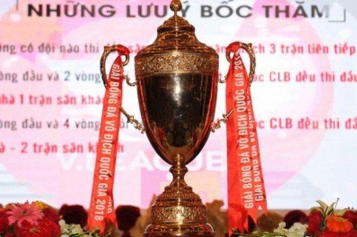 Trofi Liga Vietnam atau V-League 2018.