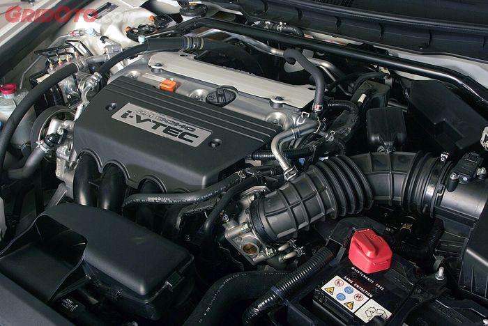 Salah satu mesin Honda Accord CP2, yang berkapasitas 2.400 cc
