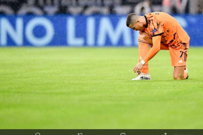 Cristiano Ronaldo dalam partai Liga Champions antara Ferencvaros vs Juventus.