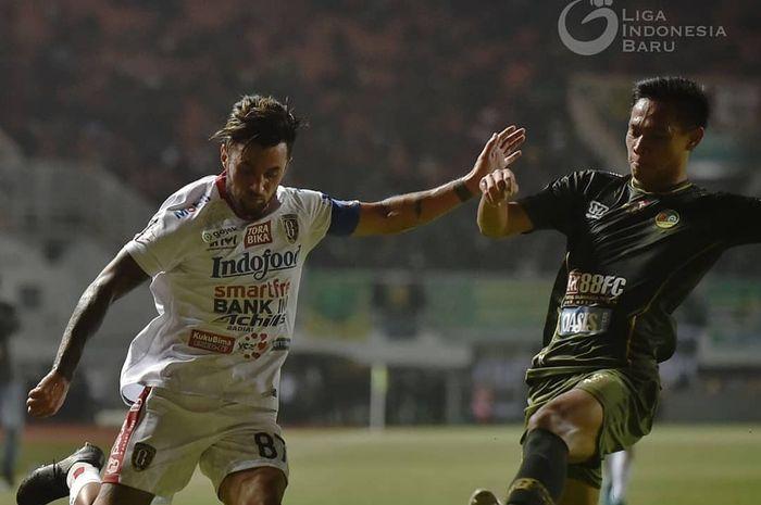 Stefano Lilipaly tampil sebagai kapten Bali United saat menghadapi tuan rumah Tira Persikabo di Stadion Pakansari, Kabupaten Bogor, Kamis (15/8/2019).