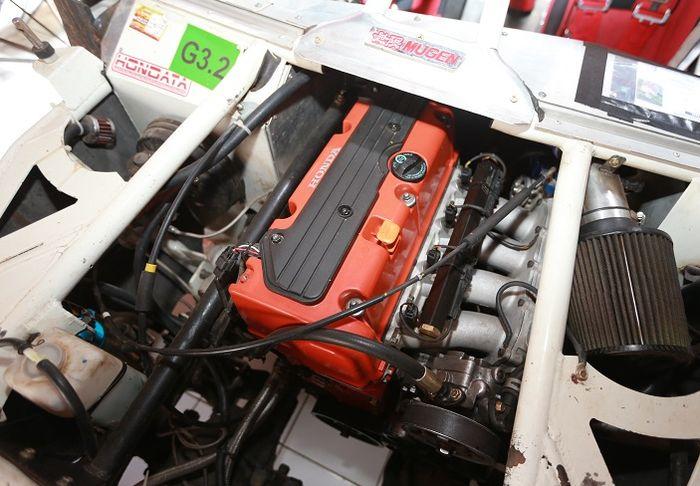 Mesin K24 yang punya tenaga buas terpasang di mobil tubular yang enteng