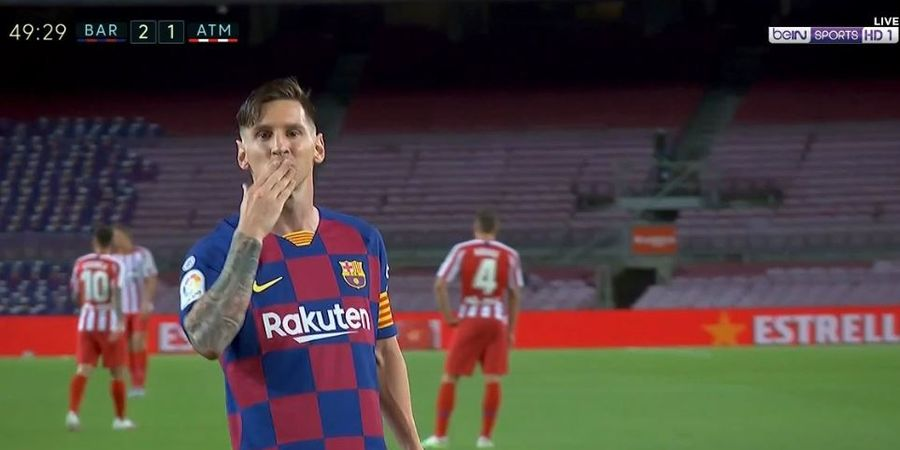 VIDEO - Messi Pamer Trik ala Kapten Tsubasa, Bek Atletico Madrid Keok